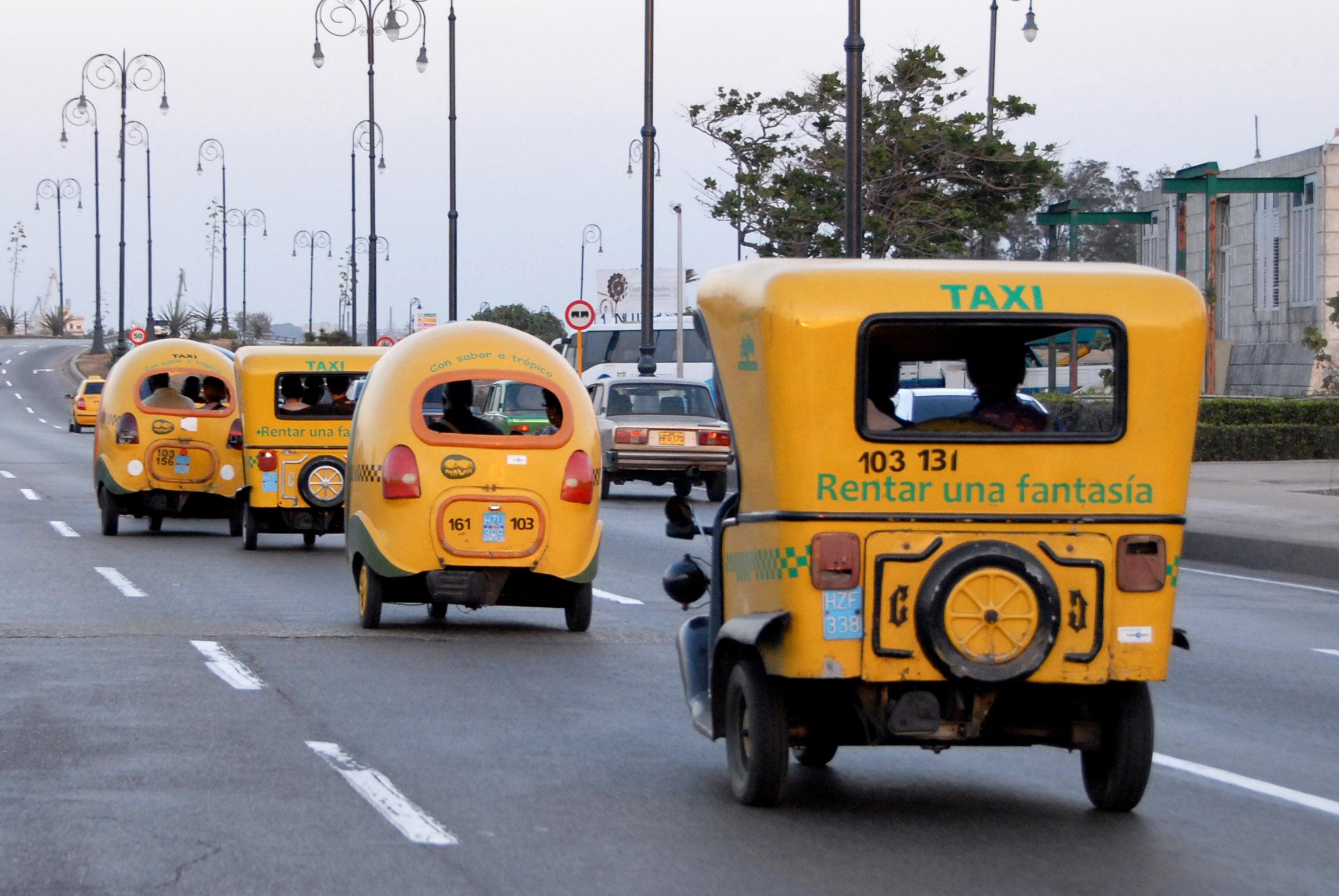 Les coco-taxis de La Havane