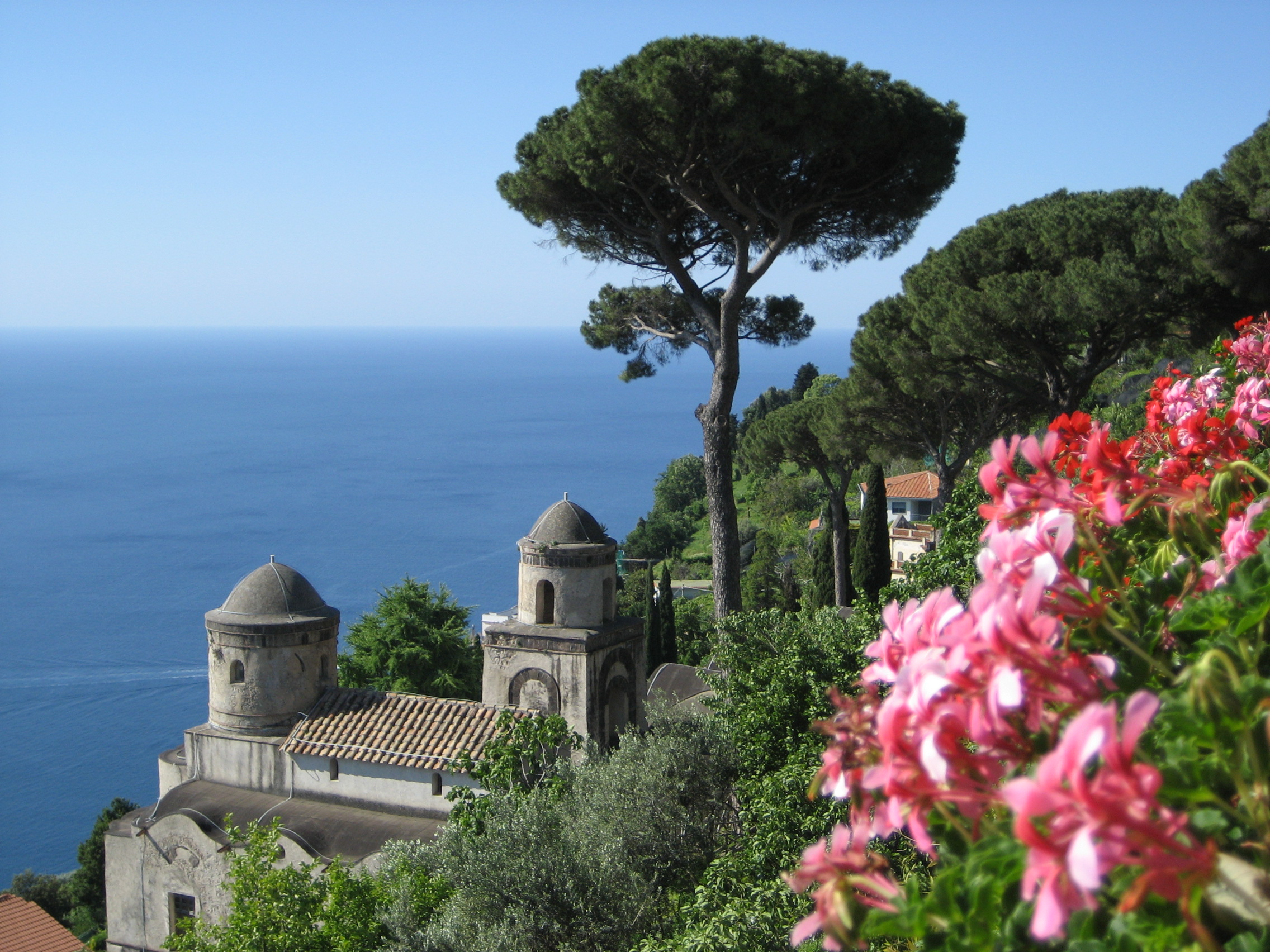 Ravello sur freemages for Jardin villa rufolo