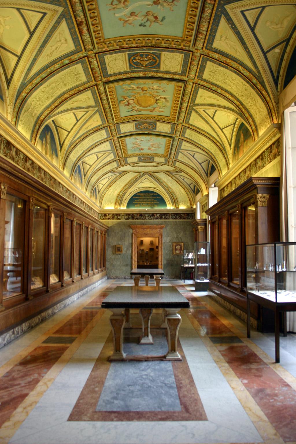 Couloir du Vatican