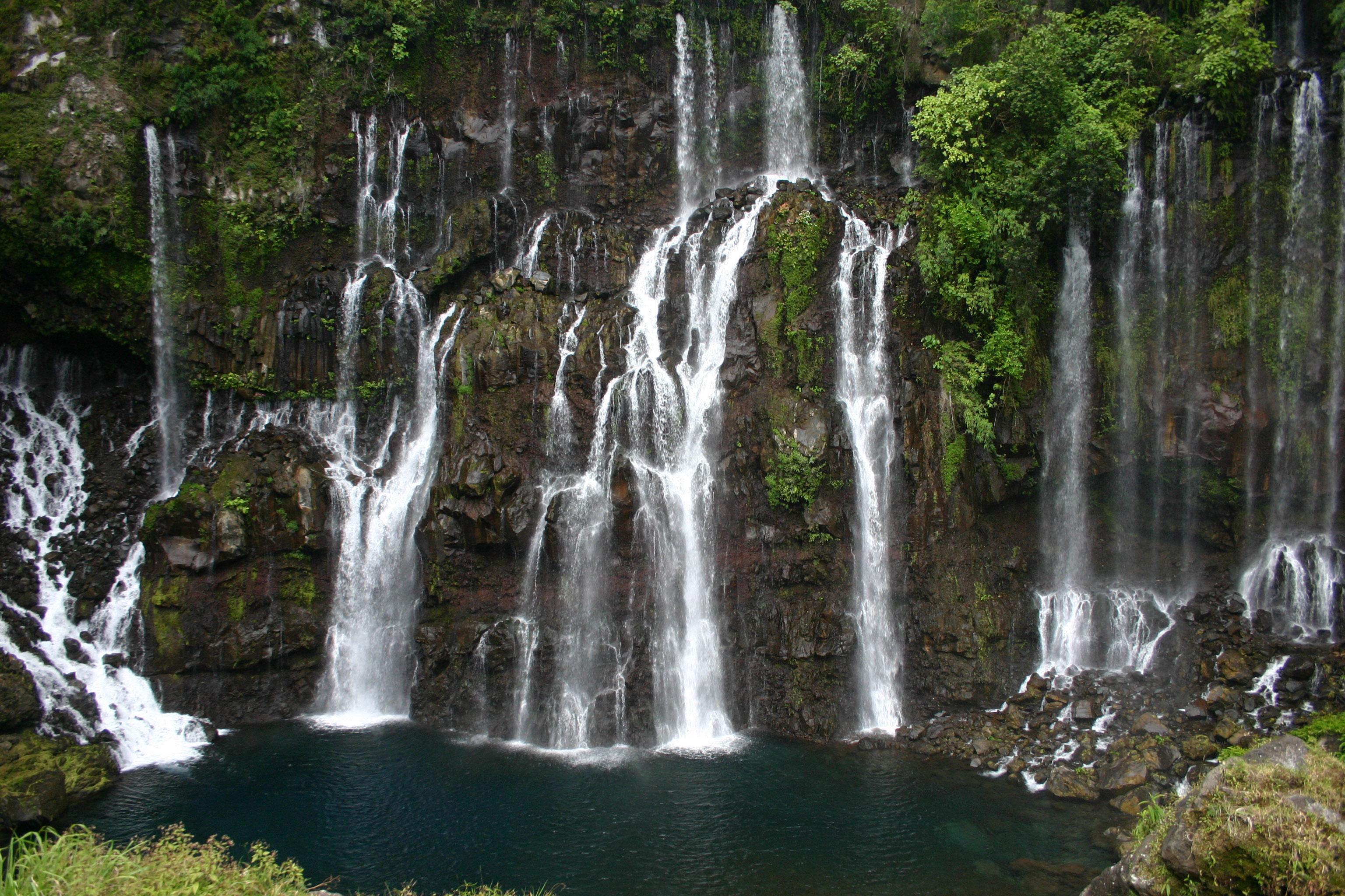 Cascade langevin cascade de la rivière langevin sur la côte sud de l