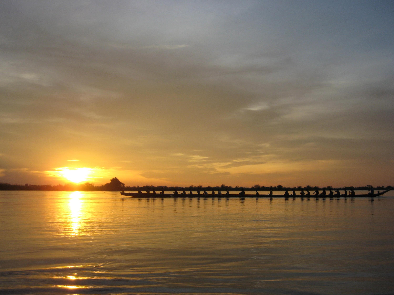 vte_pirogue_sunset