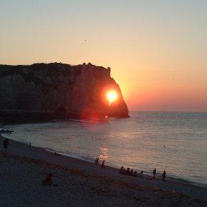 Coucher de soleil dans les falaises d'Etretat