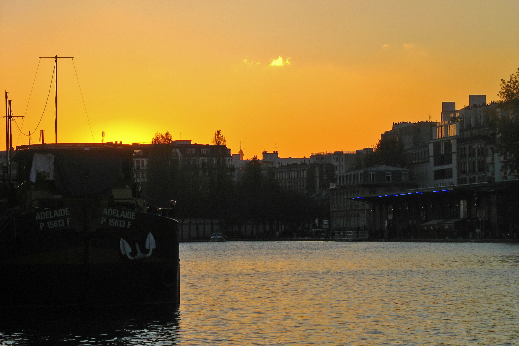 Coucher de soleil sur la villette sur freemages - Coucher de soleil sur paris ...