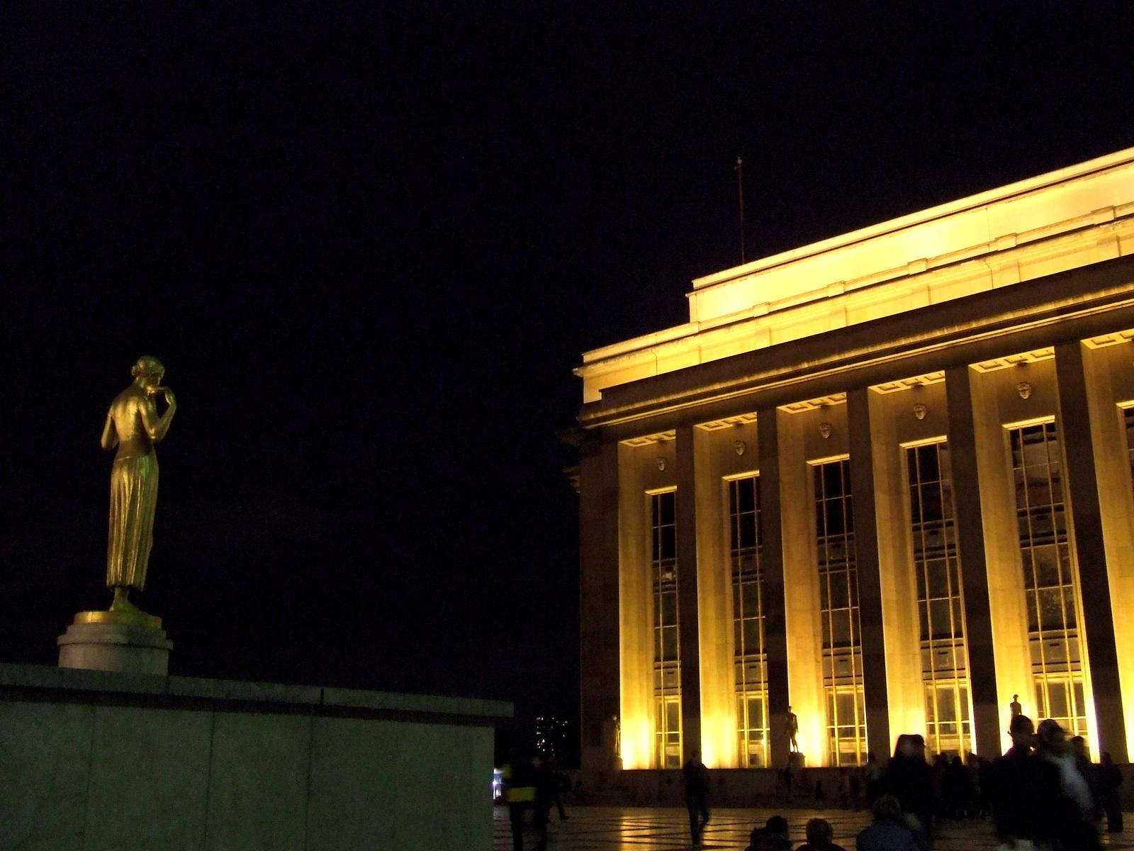 Statue et trocadéro