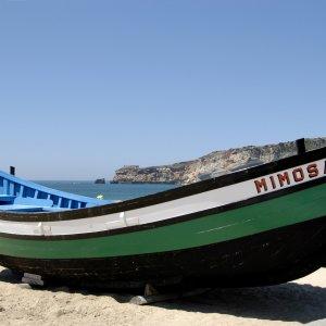 Barque de pêche à Nazaré