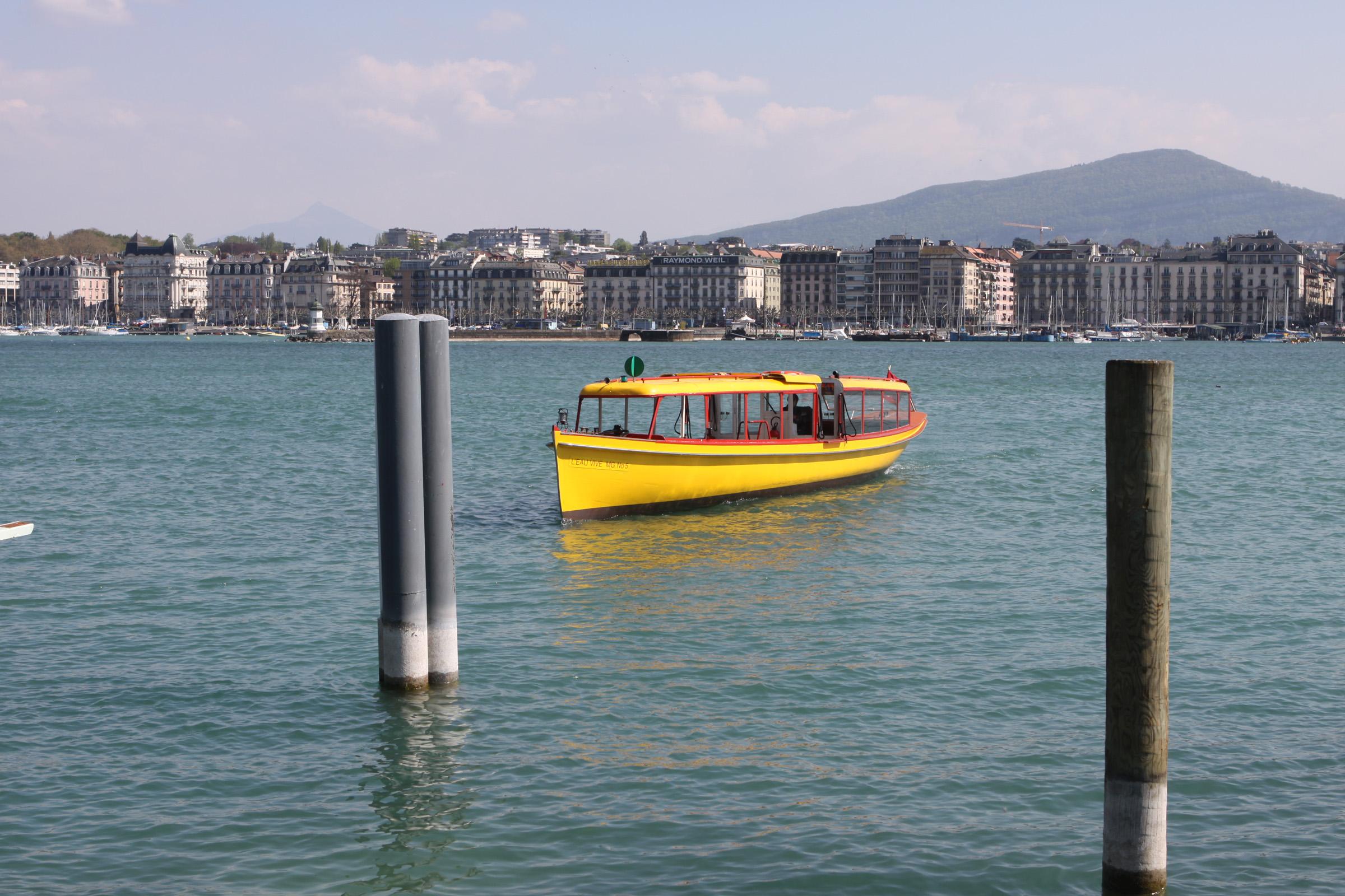 Bateau sur le lac de Genève