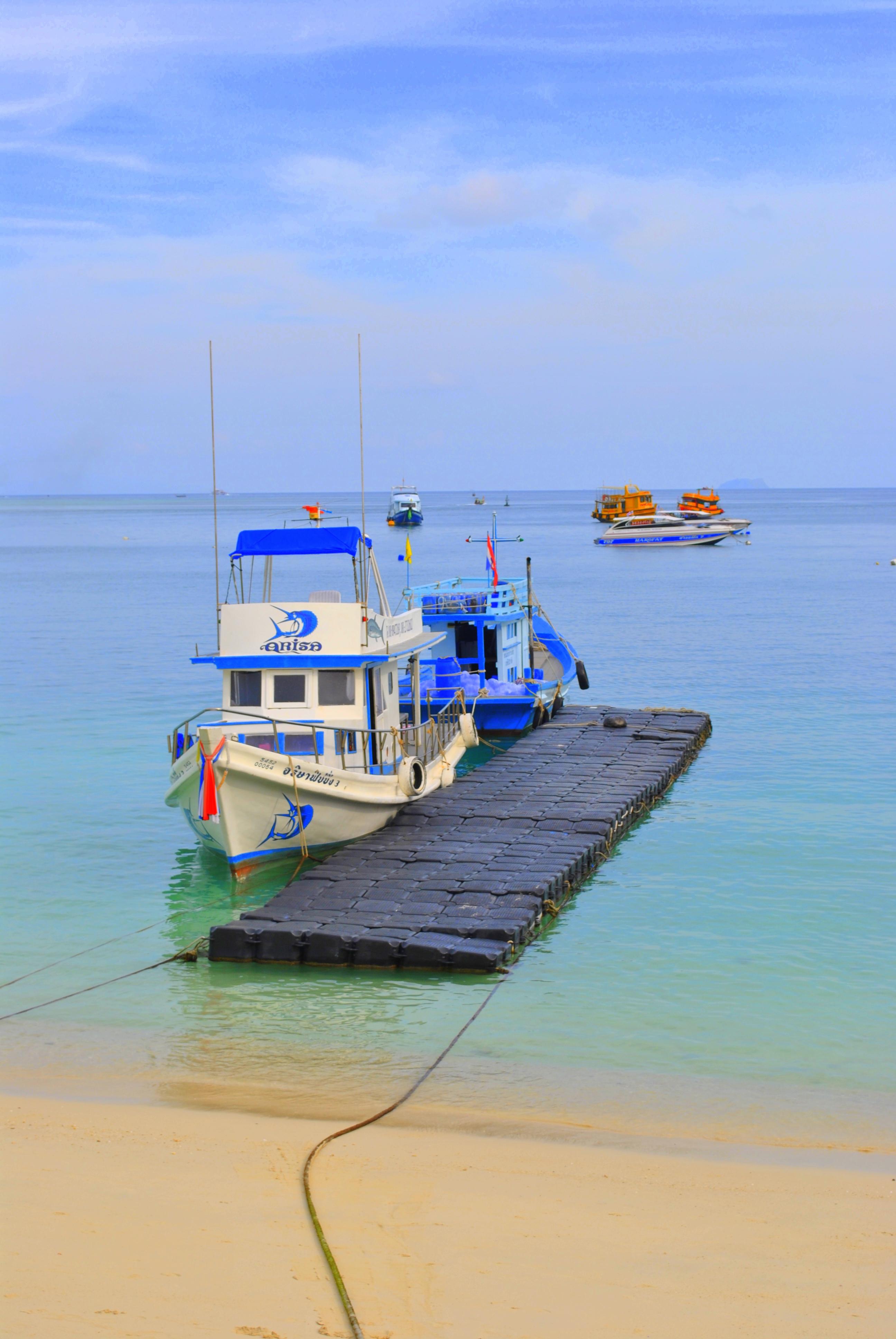 Mer et bateau à Koh Phi Phi